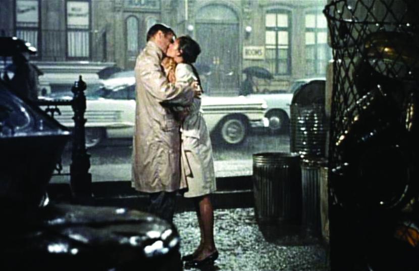 """bacio sotto la pioggia """"colazione da Tiffany"""""""