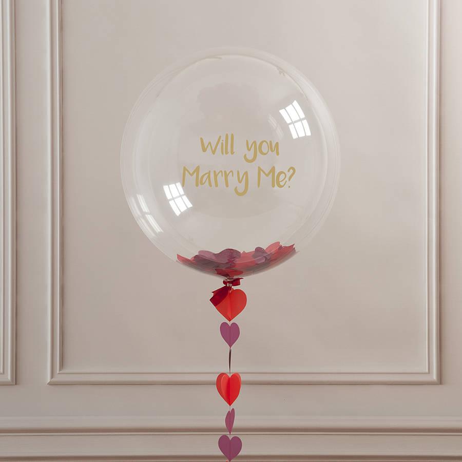 proposte di matrimonio, il vero protagonista è l'anello di fidanzamento